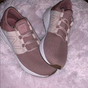 EUC New Balance Sneakers